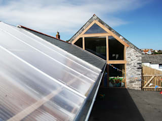 Boscastle Pre-school roof:  Schools by Innes Architects