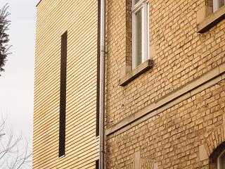 Umbau und Sanierung einer denkmalgeschützten Gründerzeitvilla, Bonn Rüngsdorf Minimalistische Häuser von Jan Tenbücken Architekt Minimalistisch