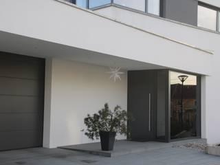 Haus G:  Einfamilienhaus von 2+2architekten Thomas Grübling . Ave-C. Reifenstein GbR