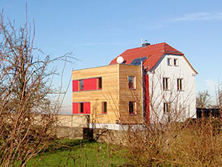 Haus BF: skandinavische Häuser von 2+2architekten Thomas Grübling . Ave-C. Reifenstein GbR