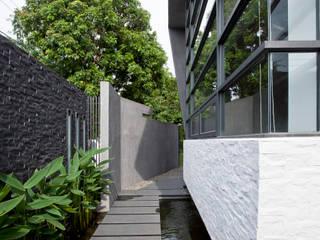 Jardin minimaliste par Zendo 深度空間設計 Minimaliste