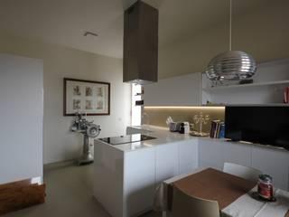 Modern kitchen by Falegnameria Ferrari Modern