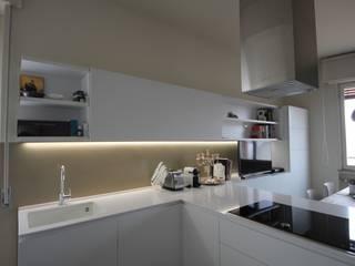 Cozinhas modernas por Falegnameria Ferrari Moderno