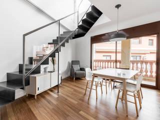 Livings modernos: Ideas, imágenes y decoración de Sebastián Bayona Bayeltecnics Design Moderno