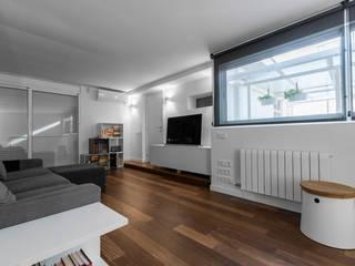 Modern living room by Sebastián Bayona Bayeltecnics Design Modern