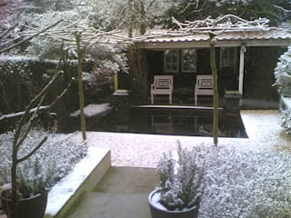 Rustic style garden by Studio Kuin BNI Rustic