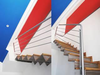 Ercolani Bros. Modern corridor, hallway & stairs Multicolored