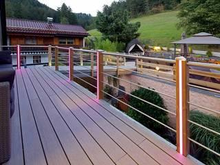 Braun & Würfele - Holz im Garten Modern balcony, veranda & terrace Wood-Plastic Composite