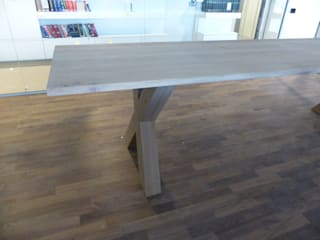 Oak tables: modern  door Signed by Stephen, Modern