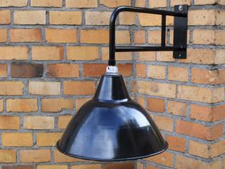 """""""LEVIN RIESA M"""" Ausleger Fabrik Lampe Industrie Design Vintage:  Geschäftsräume & Stores von Lux-Est"""