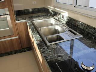 GranParaná Mármores e Granitos KitchenBench tops Granit Green