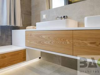 dom na Jurze: styl , w kategorii Łazienka zaprojektowany przez BAK Architekci