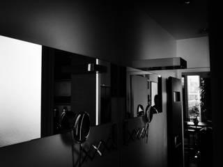 L15 - restructuration appartement terrasse - Paris XV Saint-Lambert Commerce: Salle de bains de style  par officine TNT Architecture