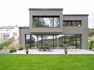 Houses by massive passive,
