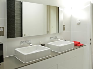 Naturally Woodlands Modern bathroom by Smarta Modern