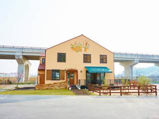 栗の家: 青木建築設計事務所が手掛けた商業空間です。,