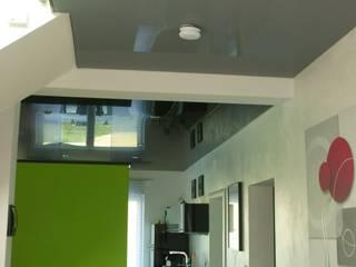 Salas de estar modernas por BOOR Bäder, Fliesen, Sanitär Moderno