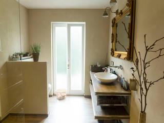 Casas de banho clássicas por BOOR Bäder, Fliesen, Sanitär Clássico