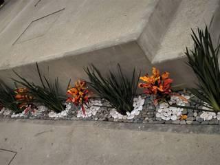 PUNTA NORTE: Jardines de estilo  por H+R ARQUITECTOS
