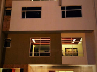 H+R ARQUITECTOS Modern houses White