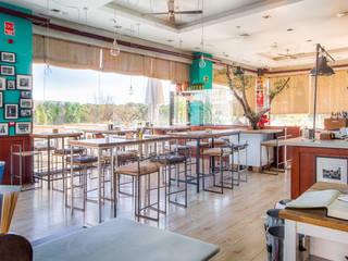 Restaurante El Ochenta: Comedores de estilo  de Dani Alonso fotografía