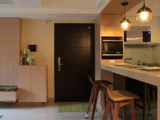 小坪數的清新演繹 現代風玄關、走廊與階梯 根據 漢品室內設計 現代風