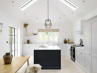 The Coach House Kitchen by deVOL deVOL Kitchens Scandinavian style kitchen Wood Grey