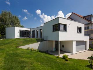 Casas modernas: Ideas, imágenes y decoración de Gaus Architekten Moderno