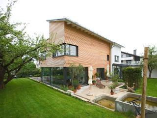 Case in stile in stile Moderno di Gaus & Knödler Architekten