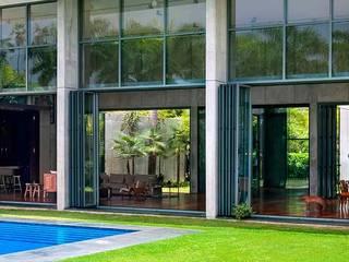 Modern houses by AIRCLOS Modern