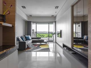 Modern living room by 賀澤室內設計 HOZO_interior_design Modern