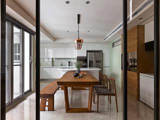 賀澤室內設計 HOZO_interior_design Asian style dining room by homify Asian