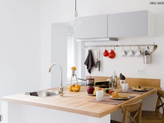 CASA PRIVATA 03 - ristrutturazione d'interni: Cucina in stile in stile Moderno di 81millimetri