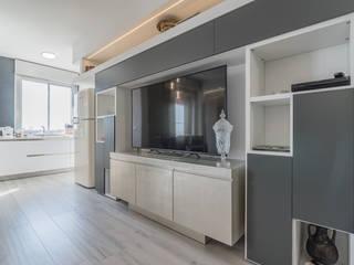 Facile Ristrutturare Livings de estilo minimalista