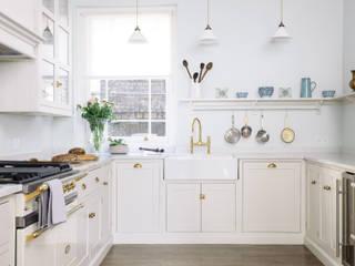 The SW1 Kitchen by deVOL Classic style kitchen by deVOL Kitchens Classic Wood Wood effect
