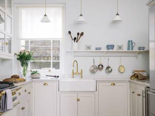 The SW1 Kitchen by deVOL deVOL Kitchens Cucina in stile classico Legno Beige