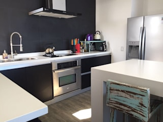 Mobiliarios y Proyectos Tresmo Ltda CocinaMesas y sillas