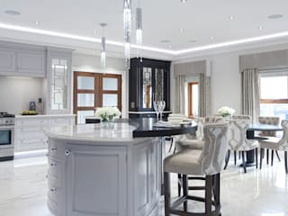 Luxury Painted Kitchen with Ebony 根據 Designer Kitchen by Morgan 古典風