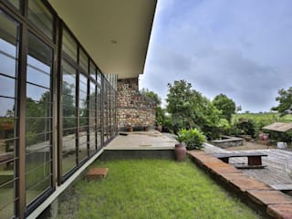 Villa Aaranyak Modern garden by prarthit shah architects Modern