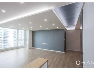 월곡동 두산위브 아파트 / 33평형 아파트 인테리어: 오락디자인의  거실,