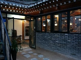 한옥 리모델링: Design Guild의  주택