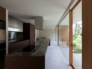 Minimalist kitchen by Architet6建築事務所 Minimalist