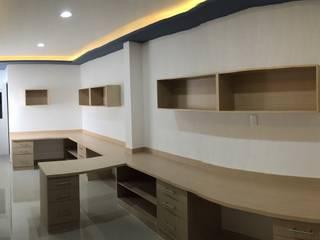 Remodelacion Despacho de Contadores: Estudios y oficinas de estilo  por H+R ARQUITECTOS