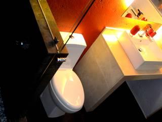 Remodelacion y ampliacion Casa Habitacion: Baños de estilo  por H+R ARQUITECTOS