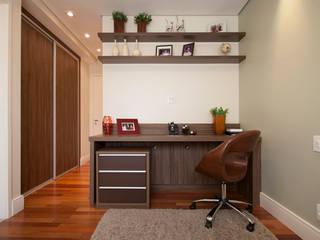Oficinas y bibliotecas de estilo ecléctico de Espaço Alessandra Luz Casa & Jardim Ecléctico