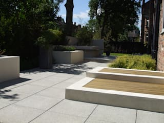 Stylish Contemporary in Didsbury Modern garden by Charlesworth Design Modern