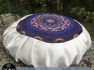 Cojín Zafu Mandala Serenidad:  de estilo  por Divina Diseños Decoración