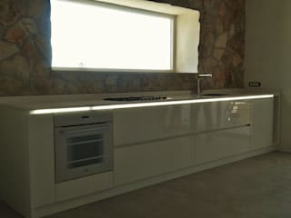 FIDEA SRL Minimalist kitchen Wood White