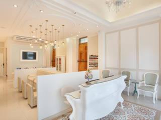 Salão de Beleza Lojas & Imóveis comerciais clássicos por Vaz + Onofri Arquitetura Clássico