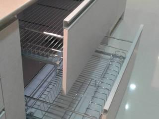 ชุดครัว กันน้ำ วัสดุพลาสวู้ด ปิดผิวลามิเน็ต โดย บริษัท โมดิช เดคคอ จำกัด